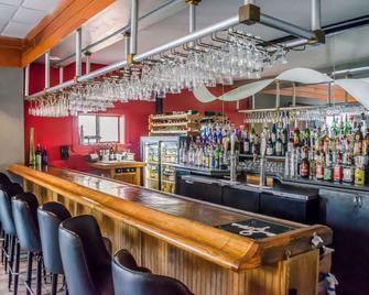 Quality Inn & Suites Pensacola Bayview - Pensacola - Bar