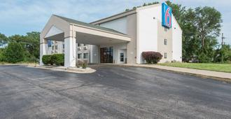 Motel 6 Lawrence Ks - Lawrence - Edificio