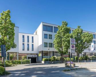 BEST WESTERN Hotel am Europaplatz - Кьонігсбрунн - Building