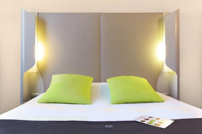 Campanile Saint-Quentin-En-Yvelines - Montigny-le-Bretonneux - Bedroom