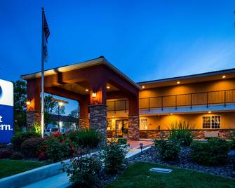 Best Western Willows Inn - Willows - Edificio