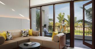 Intercontinental Chennai Mahabalipuram Resort - Mahabalipuram - Living room