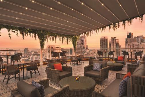 Hyatt Place Bangkok Sukhumvit - Bangkok - Bar