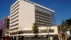 Travelodge Barcelona Poblenou - Barcellona - Edificio