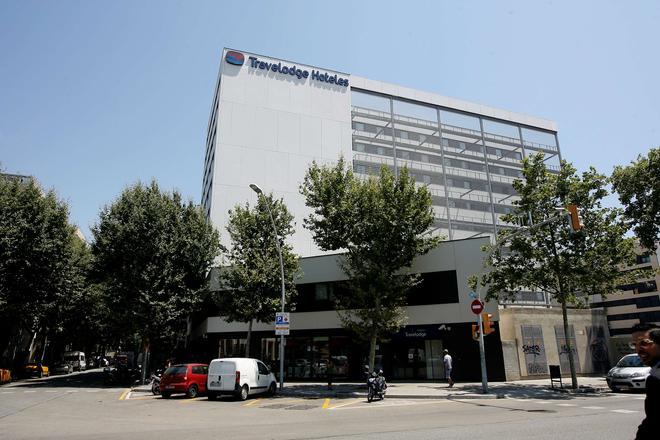 Travelodge Barcelona Poblenou - Barcelona - Building