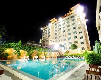 Classy Hotel & Spa - Băt Dâmbâng