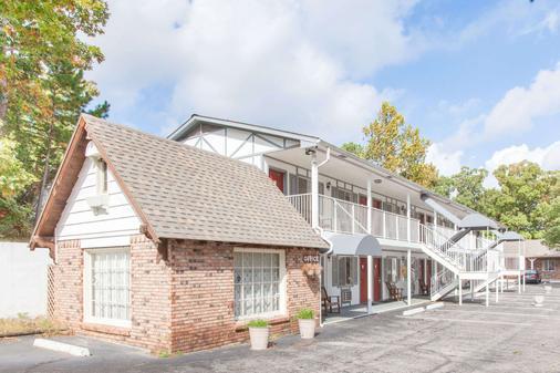 Days Inn by Wyndham Eureka Springs - Eureka Springs - Building