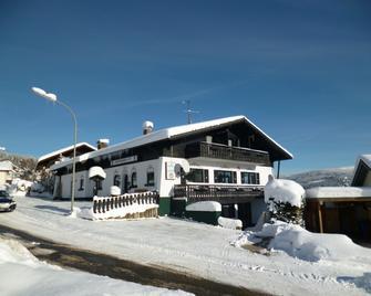 Gästehaus am Berg - Bayerisch Eisenstein - Gebäude