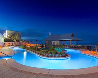 Holiday Inn Express & Suites Panama City Beach - Beachfront, An Ihg Hotel - Panama City Beach - Piscina