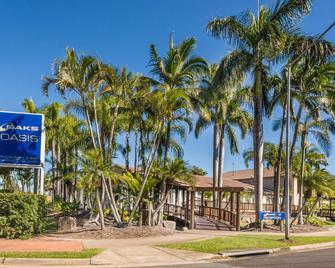 Oaks Sunshine Coast Oasis Resort - Caloundra - Building