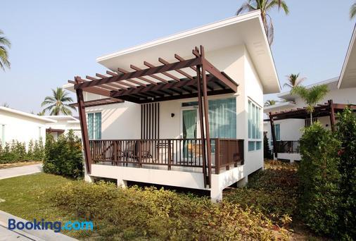 Kantary Beach Hotel Villas & Suites, Khao Lak - Khao Lak - Μπαλκόνι