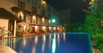 The Grand Santhi Hotel - Denpasar - Pool