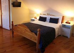 Mc Carthy's Lodge & Bar - Westport - Bedroom