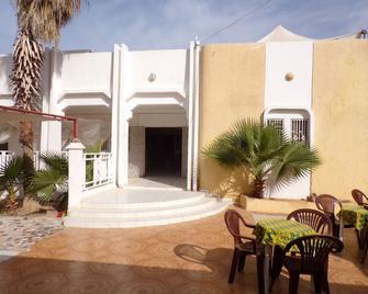 Le Triskell Auberge - Hostel - Nouakchott - Innenhof