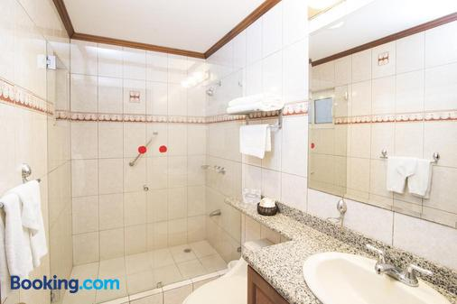 Apartotel & Suites Villas del Rio - San José - Bathroom