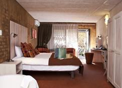 African Rock Hotel - Kempton Park - Bedroom