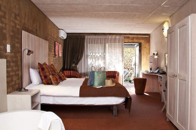 African Rock Hotel - Kempton Park - Bedroom