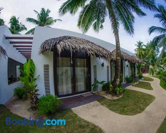 Palaka Resort - General Luna - Gebouw