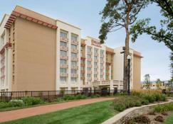 Drury Inn & Suites West Des Moines - West Des Moines - Rakennus