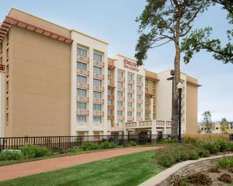 Drury Inn & Suites West Des Moines - West Des Moines - Building