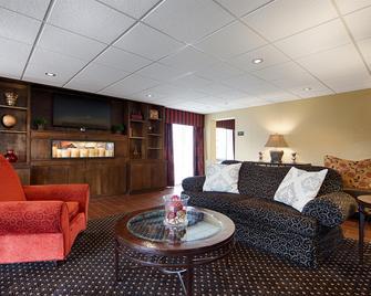 Best Western Plus Parkway Hotel - Alton - Вітальня