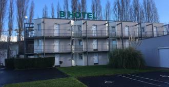Brit Hotel Caen Est - Caen - Bâtiment