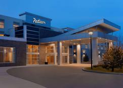 Radisson Hotel and Conference Center Calgary Arpt - Calgary - Building