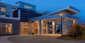 Radisson Hotel and Conference Center Calgary Arpt - קלגרי