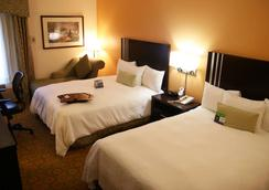 Hampton Inn Livermore - Livermore - Bedroom