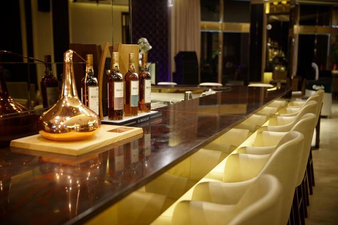 Lotte Hotel Busan - Μπουσάν - Bar