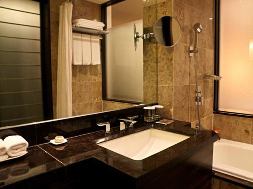 Lotte Hotel Busan - Busan - Bathroom