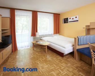 Wohlfühlappartements Bayer - Bad Schallerbach - Living room