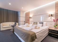 Hotel Zena Beauty & Shopping Center - Hévíz - Bedroom