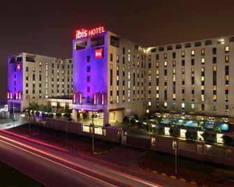 Ibis New Delhi Aerocity - An Accorhotels Brand - New Delhi - Building
