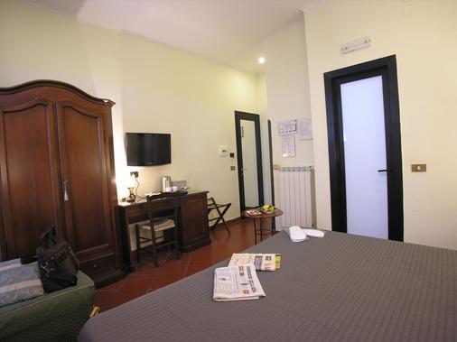 Hotel Toledo - Naples - Bedroom