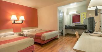 Motel 6 Chino Los Angeles Area - Chino - Bedroom
