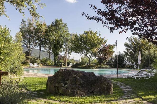 Castello DI Petrata - Assisi - Pool