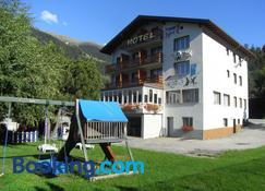 Hotel Park - Fiesch - Building