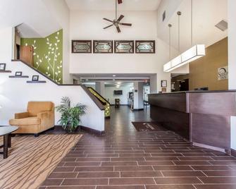 Sleep Inn & Suites Near I-90 and Ashtabula - Austinburg - Receptie