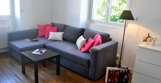 Modernly furnished holiday home in the city of Rennes - Rennes - Wohnzimmer
