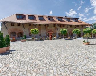 Best Western Hotel Schlossmühle - Кведлінбург - Building