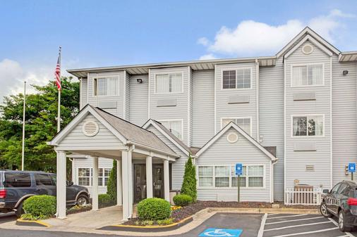 Microtel Inn & Suites by Wyndham Atlanta Airport - College Park - Building