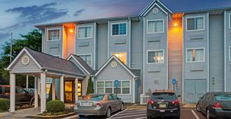 Microtel Inn by Wyndham Atlanta Airport - College Park - Edificio