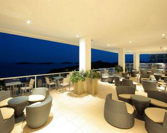 Hotel Amfora Grand Beach Resort - 赫瓦爾 - 赫瓦爾 - 陽台