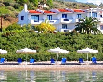 Agnadi Hotel - Rovies - Buiten zicht