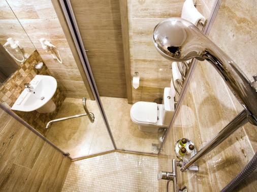 Aleksandrovskiy Hotel - Odesa - Bathroom