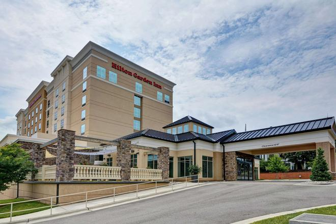 Hilton Garden Inn Raleigh /Crabtree Valley - Raleigh - Rakennus