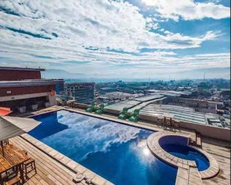 Latam Hotel Plaza Pradera Quetzaltenango - Quetzaltenango - Piscina