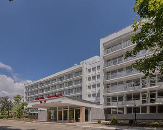 Hotel Narcis - Saturn - Gebäude