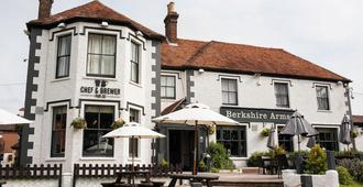 Berkshire Arms by Greene King Inns - Reading - Building